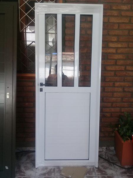 Puerta Aluminio 80 x 200 medio vidrio
